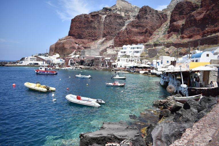 Port d'Amoudi, l'un des lieux à visiter à Oia